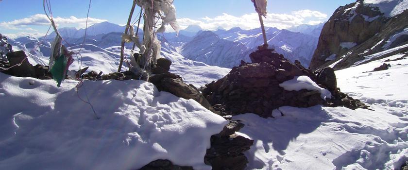 Renjola Pass Trekking